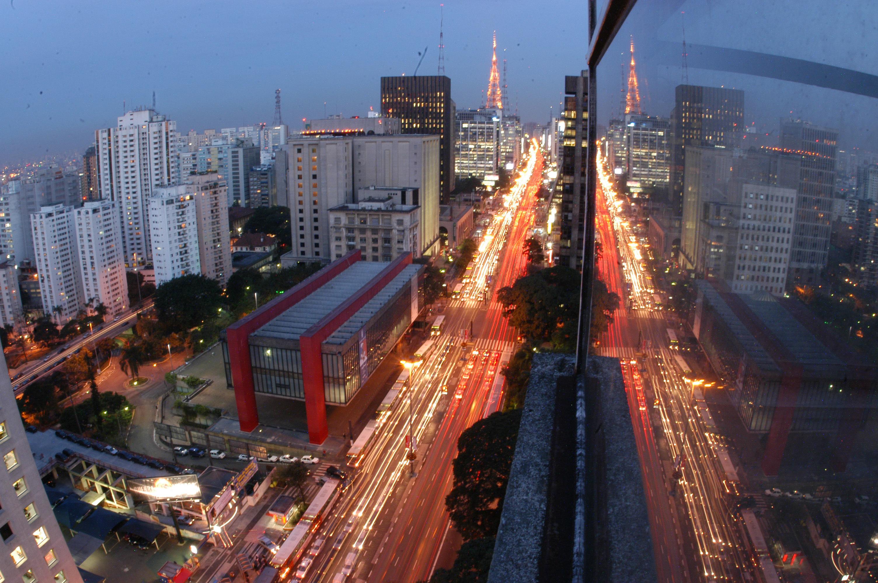São Paulo salario minimo em degraus da riqueza