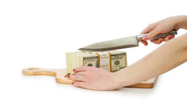 Como economizar dinheiro cortando gastos?